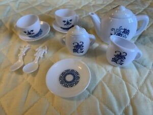Child's Plastic Tea Set 12 Pieces
