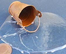 1:12 scala RUSTY METAL periodo fisso di spargimenti di acqua DOLLS HOUSE miniatura Accessorio