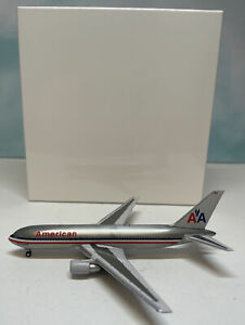 Aeroclassics 1:400 American 767-200 N338AA Boeing B767-200 Luxury Liner