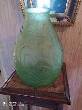 Grand Vase Style Art Déco Verre Pressé Moulé Vert