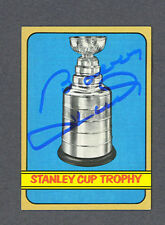 Bobby Hull signed 1972-73 Topps Stanley Cup card