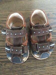 Infant Boys Umi Closed Toe Sandals  Size 20 Brown Blue EUC