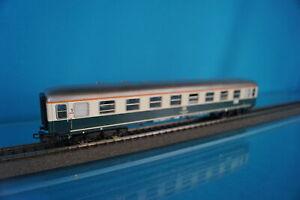 Marklin 4111 DB Express Coach 1 kl. Beige-Oceanblue - LED LIGHTING