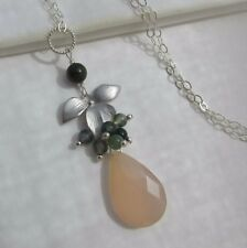 v.ATELIER Chalcedon Moos Achat Jade Anhänger & 925 Silber Kette Collier Orchidee