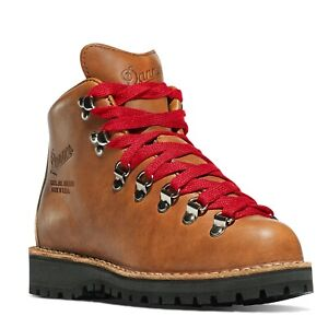 NEW Women's Danner Mountain Light Cascade 31521 Hiking Boot Size 7.5 Red USA