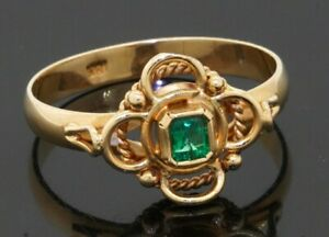 Vintage 18K gold beautiful .22CT emerald solitaire ring size 7.25