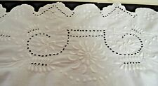 Superb Antique Childrens Eyelet Bedcover W Padded Embroidery And Scallops Pp303