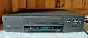 VIDEOREGISTRATORE PHILIPS VR-332  LETTORE VHS CASSETTE  VINTAGE SI ACCENDE!