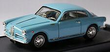 """ALFA ROMEO Giulietta Sprint 1. Serie Coupé 1954-59 Azul Claro """" 1:43 BANG"""