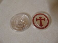 CHALLENGE COIN KNIGHTS TEMPLAR CROSS MAN ON HORSE RED AND SILVER COLOR