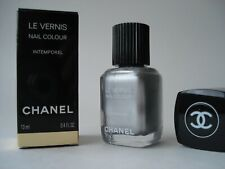 Chanel  intemporel le vernis nail polish colour