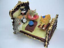Spieluhr - Bett mit Katzen