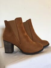 New Women's Ankle Boots With Chunky Heel Size 9 Camel