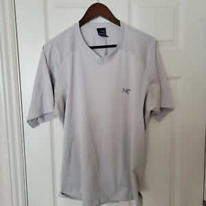 Arc'teryx Athletic T-Shirt, Men's Size Large , Grey