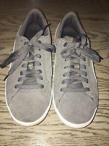 Puma Vikky Leather Suede Sneakers Women Walking Shoe Gray White Size 7.5