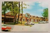 Honey Moon Motel Niagara Falls,Canada Old Cars Chrome Postcard Not Posted 1960's