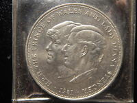 1981 THE PRINCE OF WALES AND LADY DIANA SPENCER MEDAL!   VV175UXX