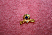 Vintage 1/20 10K Gold & White Gemstone Lion International Quarter Century Pin