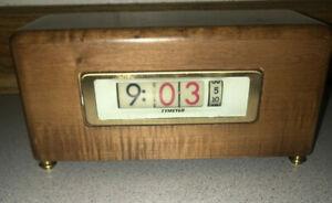 Eames MCM Era Flip  Clock Pennwood Pittsburgh USA Vintage Antique USA Wood Case