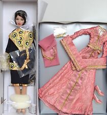 Tonner Deja Vu Emma Jean's Lady Lunch DRESSED DOLL New + ARTIST MUSE OUTFIT