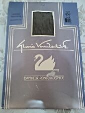 Gloria Vanderbilt Day Sheer Pantyhose Taupe Size D NEW Reinforced Toe
