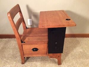 Vtg. Moulthrop 1905-10 Child's Wooden School Desk Oak Adjustable Top Side Drawer
