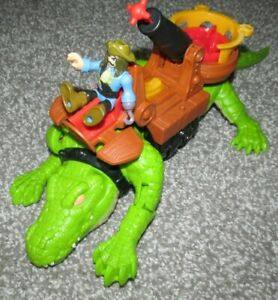 Mattel 2015 Imaginext Alligator / Crocodile Walking Croc & Pirate Hook Figure