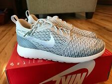 Nike Women's Roshe One Flyknit Pure Platinum White Cool Grey 704927-009 Size 9