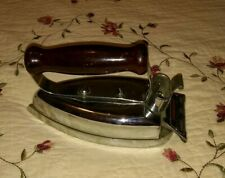 Vintage Universal Wrinkle Proof Iron, Landers,Frary & Clark, #E7043A, USA