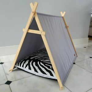 Zebra dog tent, dog hut, dog waterproof bed with wooden stand, dog cabin