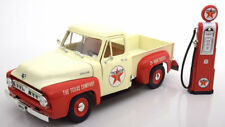 1:18 Greenlight Ford f-100 with Vintage gas pump 1953 Crème/Red