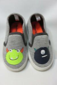 CARTER'S Gray Fabric Slip-On Shoes Toddler Size 6 Medium EUC