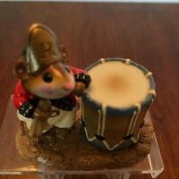 WEE FOREST FOLK RED COAT MOUSE MM-11 1981 WM PETERSEN ARTIST  RETIRED SM CHIP ON