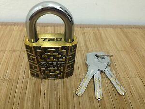 Awesome YUEMA 750- 50mm Padlock with 360° Spinning Core! 3 Keys!