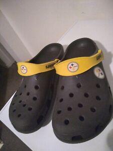 Pittsburg Steelers Rare Crocs( Bought At Hienz Field) Sz men 8/9 woman10/11