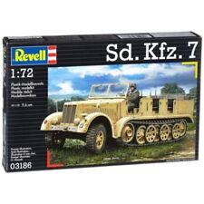 Modellini statici di veicoli militari auto Revell