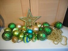 28 PLASTIC GOLD GREEN & BLUE CHRISTMAS TREE BAUBLES GARLANDS & GOLD TREE TOPPER