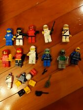 LEGO Space Minifigure set of 11 and accesories b4