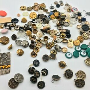 Vintage Small Buttons Lot King Crest Bull Thistle Crown Golf Clubs Anchors Shell