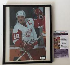 Steve Yzerman Signed & Framed Vintage Detroit Red Wings 8x10 Photo JSA COA