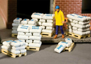 Walthers SceneMaster HO Scale Bags of Sand, Grain & Cement (Kit) 40-Pack