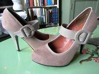 New Look Ladies BNWT Cream Coloured Mary Jane Style Heels Size 4
