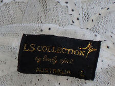 LS Collection by LOVELY SPIRIT WhiteLaceEmbellishedStretchYneckParty SizeL