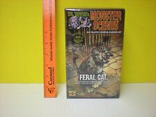 2011 DENCOMM AURORA DR. DEADLY'S MONSTER SCENES FERAL CAT WITH CAGE AND KEY 1/13