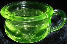 Green Vaseline glass Chamber pot toothpick holder / uranium Canary yellow potty