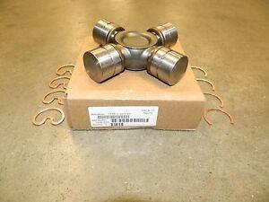 Dodge Driveshaft 4X4 Front Axle AAM 1555 Universal Joint 2010+ Ram 2500 3500 OEM