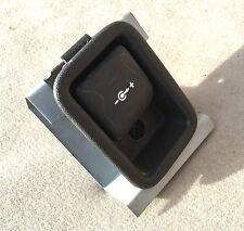 Range Rover P38 Rear Boot Power Point Outlet 12v Socket YXW100040LNF