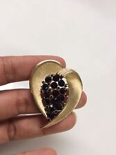 Vtg Crown Trifari  Modernist Heart Black Rhinestone  Gold Tone  Pin Brooch