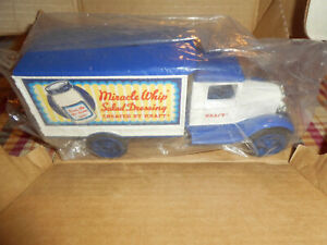 "Ertl #9100 ""Kraft Miracle Whip"" 1931 Hawkeye Motor Truck 1/34 Scale NOS MIB"