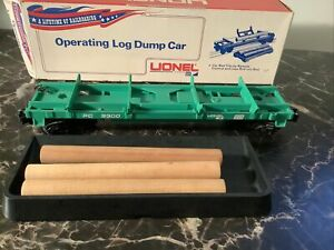 LIONEL PC 9300 OPERATING LOG DUMP CAR, GREEN w Log Load